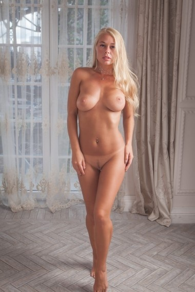 Poliana, beautiful Russian escort who offers oral job in Rome