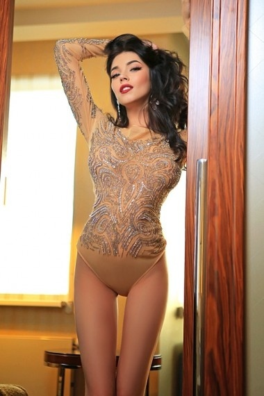 Leila, beautiful Russian escort who offers dates in Rome